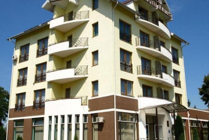 Hotel Everest Szálloda
