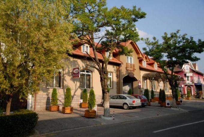 Pensiune și Restaurant Petőfi