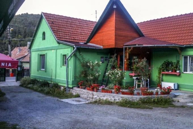 Zöld Laguna Panzió